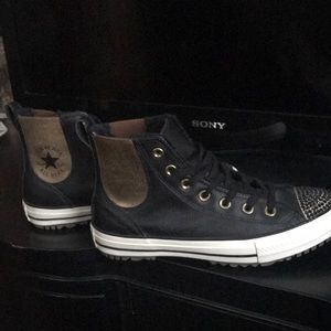 BRAND NEW Size 8 Black leather converse